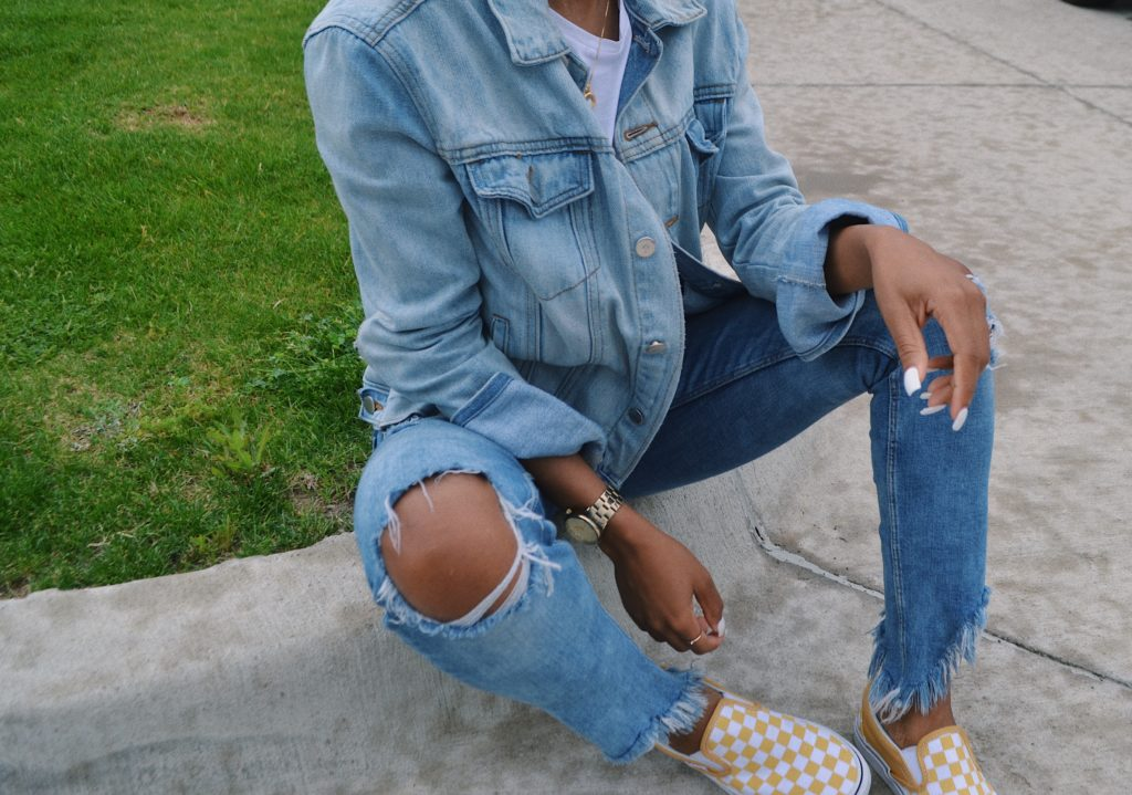 3 Ways to Style a White Tee & Jeans